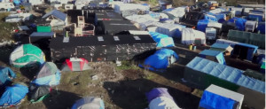 "NOS drone filmt ""de jungle"" in Calais"